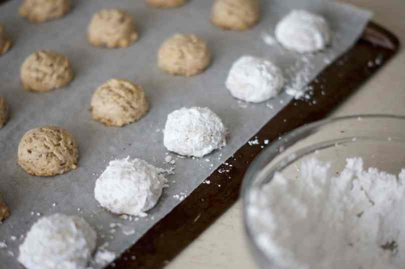 Russian Tea Cakes   www.midwestniceblog.com
