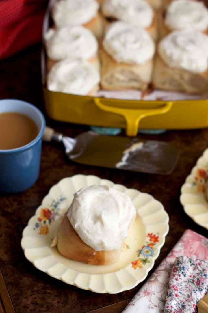 Cinnamon Rolls with Cream Cheese Frosting | via Midwest Nice Blog