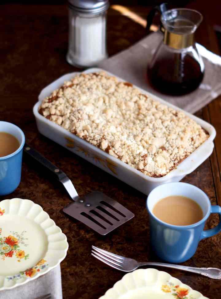 Classic Crumb Coffee Cake | via Midwest Nice Blog