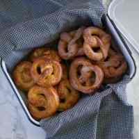 Sweet & Salty Soft Pretzels (& houseguests)