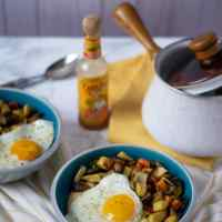 Cheesy Grit Breakfast Bowls