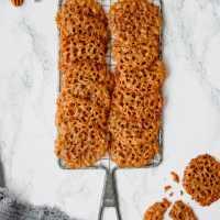 Pecan Lacey Cookies (& perspective)