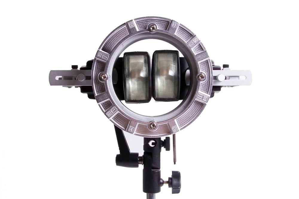 The LumoPro Double Flash Bracket.
