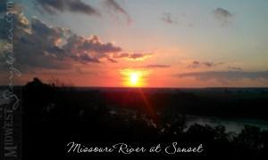 Missouri River Sunset www.midweststoryteller.com