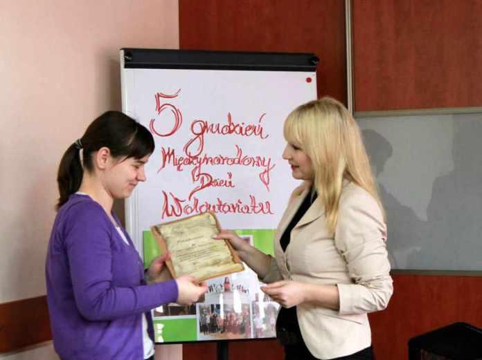 2013-12-06-miedzynarodowy-dzien-wolontariusza@Glogow-fot.D.Jeczmionka-01-