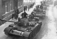 2013-12-13-obchody-rocznicy-stanu-wojennego@Glogow-T-55A_Martial_law_Poland