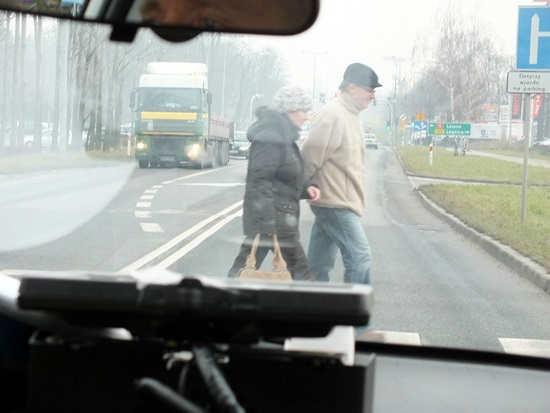 zdjęcie 2014-01-14-akcja-głogowskiej-policji-pieszy-na-drodze@Głogów-pieszy na drodze_01