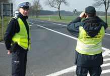 zdjęcie 2014-04-03-głogowska-policja-kontroluje-tiry@Głogów-01