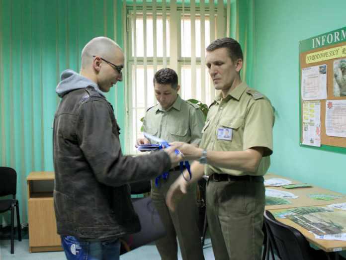 zdjęcie 2014-04-14-wręczenie-karty-powołania-do-służby-wojskowej@Głogów-03