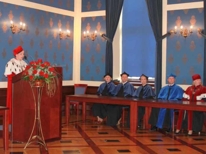 zdjęcie 2014-06-11-14-posiedzenie-senatu-PWSZ@sala-rajców@Głogów-001