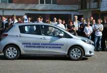 2014-09-19-nowy samochód dla zespołu szkół samochodowych i budowlanych@Głogów-num