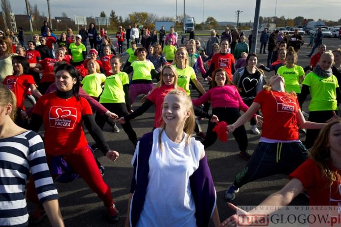 2014-11-08 Maraton Zumba Fitness Tańcz i pomagaj @Parking Tesco (fot.P.Dudzicki) 44