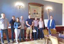 Trzydziestu rowerzystów przyszło 11 czerwca na spotkanie z władzami Głogowa. Rozmowy dotyczyły poprawy infrastruktury rowerowej miasta. Powołano również 12-osobowy Zespół Konsultacyjny ds. Rozwoju Ścieżek Rowerowych w Głogowie.