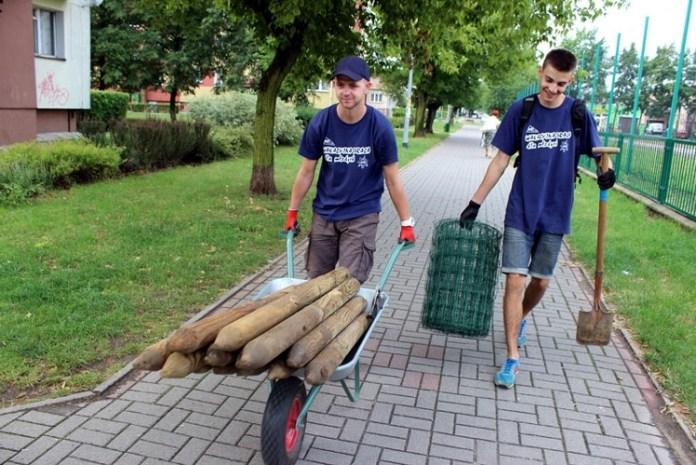 2015-08-04 Młodzi zarobili na wakacje @Wakacyjna Praca dla Młodych (fot. smnadodrze.pl)