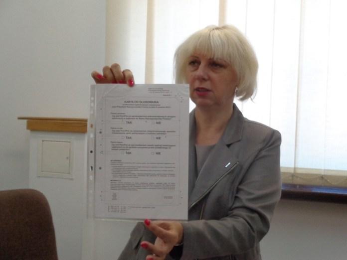 2015-08-21 Wkrótce referendum @Urząd Miejski, Bożena Dąbrowska (fot. A. Błaszczyk)