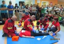 2015-10-05 Uczniowie z Kotli ucza sie udzielania pierwszej pomocy (UG Kotla)