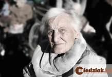 Miedziak.info.pl Seniorka Babcia Starsza kobieta