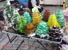 Jarmark Świąteczny- stoisko z choinkami