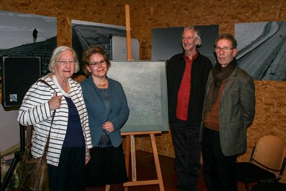 Marijke van Hamelsveld, Hester Wandel, het werk De Vermisten, Piet van der Have, Simon van der Haagen. Foto: Watersnoodmuseum.