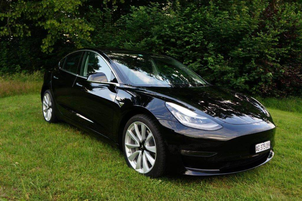 tesla Model 3 mieten in Birr