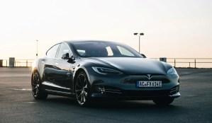 Tesla Model S P100D Ludicrous+ mieten in Aachen