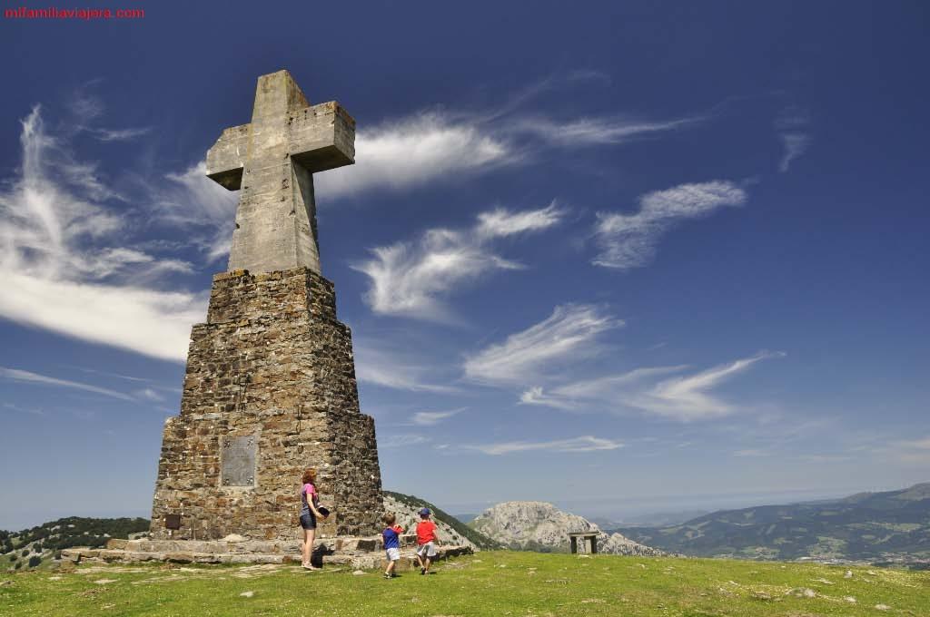 Cruz de piedra - Saibi, Parque Natural de Urkiola