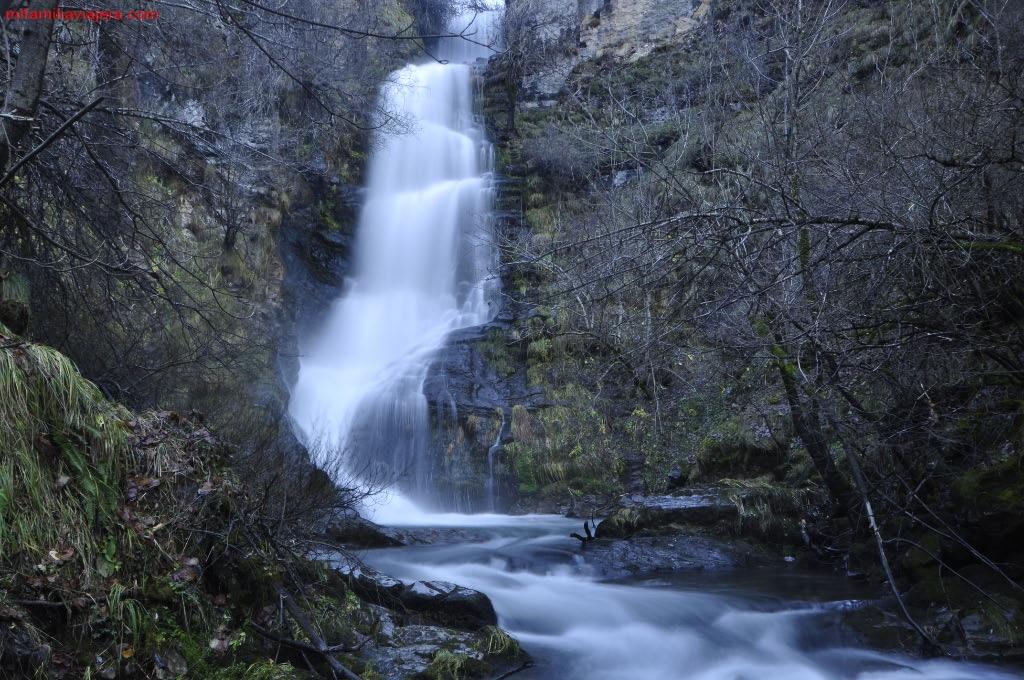 Cascada de Lumajo, Valle de Lacina