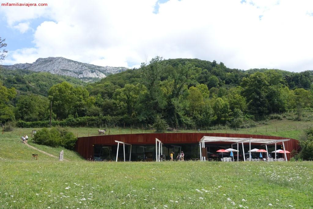 Centro de Visitantes del Parque de la Prehistoria de Teverga
