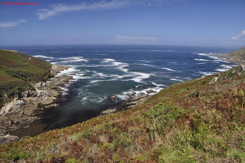 Litoral costero de la isla de Ons