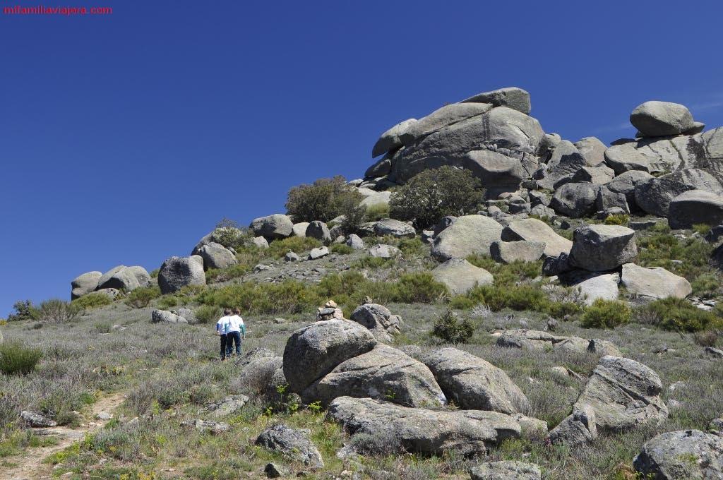 Pináculos de rocas graníticas