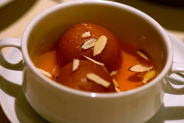 Garam Gulab Jamun
