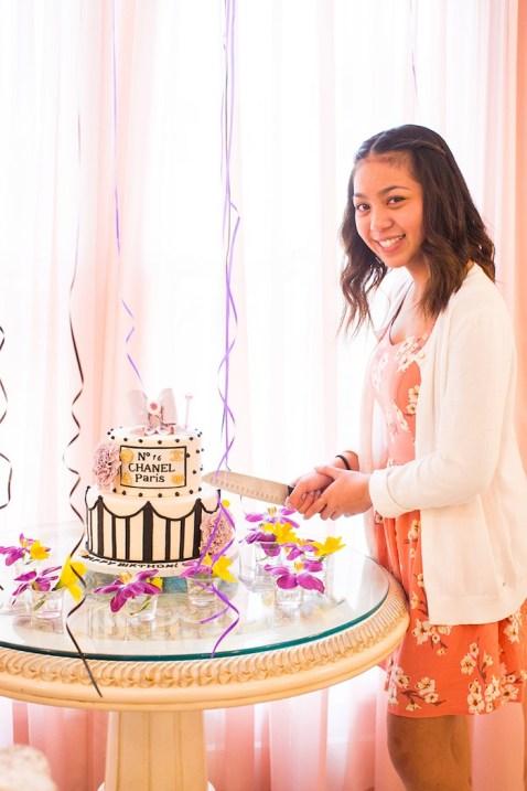 elegant-chanel-inspired-birthday-party-via-karas-party-ideas-karaspartyideas-com34