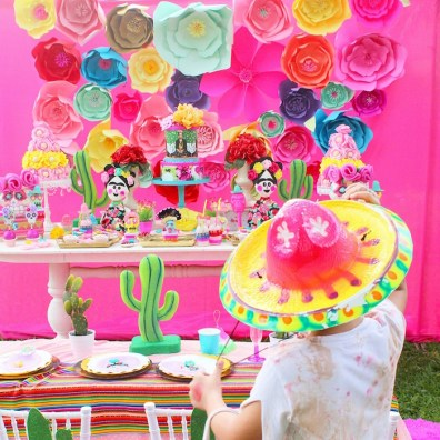 frida-kahlo-day-of-the-dead-inspired-fiesta-via-karas-party-ideas-karaspartyideas-com7_