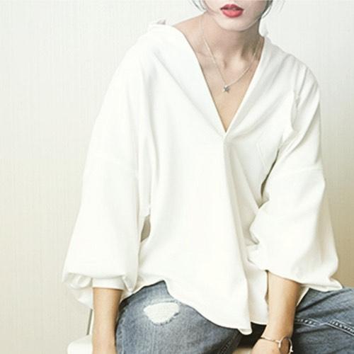 胸を小さく見せる ファッション コーデ 5選 胸を小さく見せる メリット デメリット
