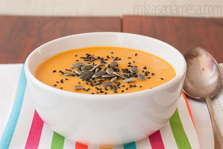 Crema de lentejas rojas y zanahoria