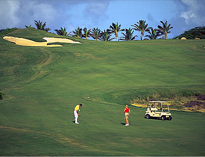 Aruba Golf Club was built all the way back in 1941 for employees of the old Lago Refinery, and it's the oldest course on the island. (Photo: 1Golf )