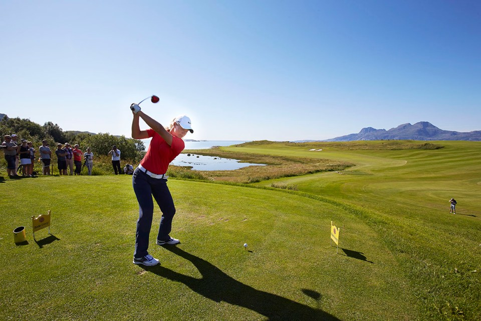 WHAT A HOLE! Suaznn Pettersen teeing of at the 414 metters par 4 3rd at Bodø Golpark. (Photo: Bodø Golfpark)