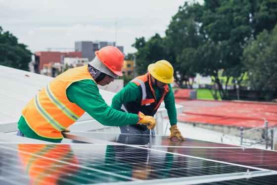 solar technicians installing solar panels