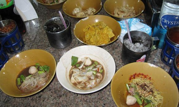 guay teow rhua 100 Thai Dishes to Eat in Bangkok: The Ultimate Eating Guide