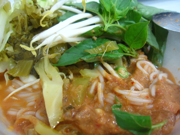 kanom jeen nam ya kati 100 Thai Dishes to Eat in Bangkok: The Ultimate Eating Guide