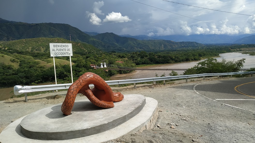 » LA SERPIENTE »  DEL PUENTE DE OCCIDENTE