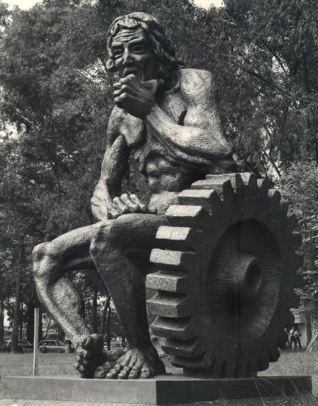 Historia Artistica Miguel Angel Betancur T. Escultor 2