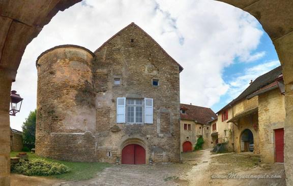 Menetru, village du vignoble du Jura