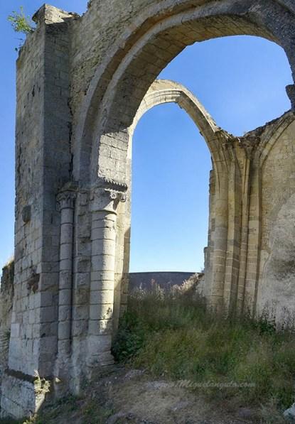 Ruines du Prieuré de Villedieu-le-Château (XIe siècle)