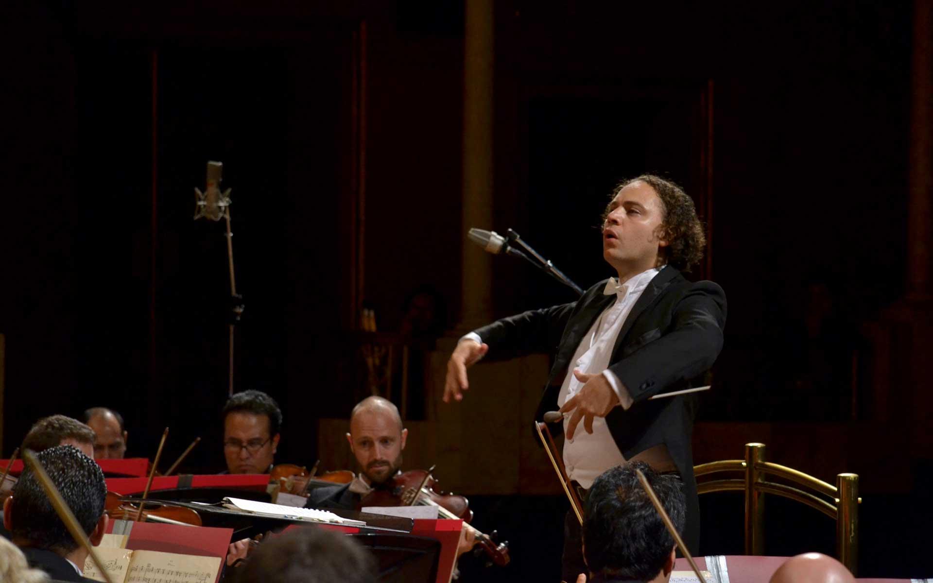 La OFJ ofrece concierto especial con música mexicana y de cine