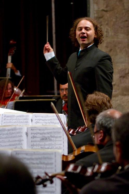 2014, Michoacan Symphony Orchestra. Photo, Carlos Cuin Jr.
