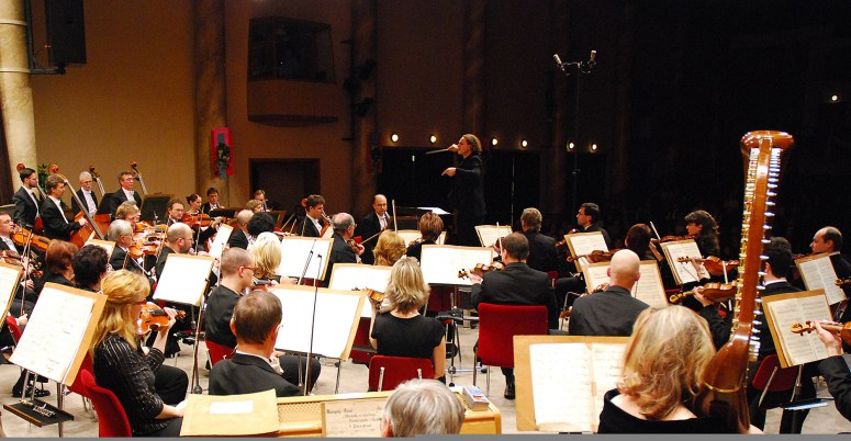 2007, Ostrava Philharmonic Orchestra, Czech Republic. Pictures of an Exhibition Mussorgski-Ravel