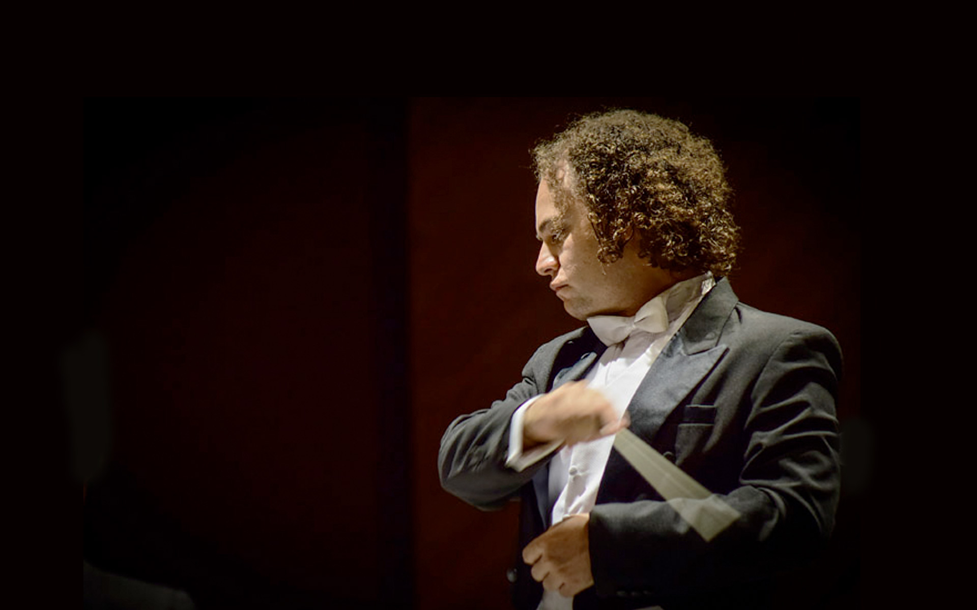 Miguel Salmon del Real dirigirá sinfonías latinas en Xalapa