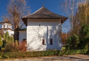 Exonartexul bisericii