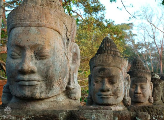 Ah-Angkor-Wat-Stunning-Sunrise-and-Sublime-Faces3
